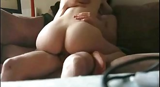 Teen With Amazing Body Sofa Sextape